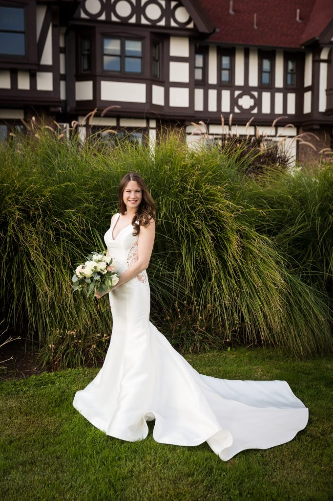 Bridal portrait at a Larchmont Shore Club wedding