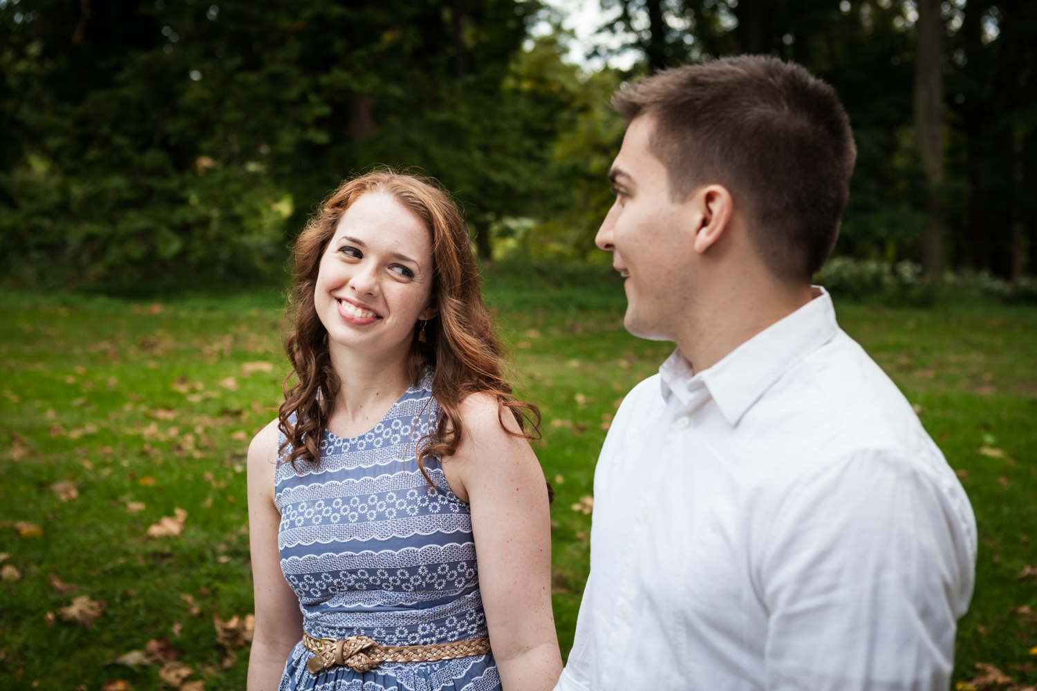 Couple looking at each other at a Lyndhurst Mansion engagement photoshoot