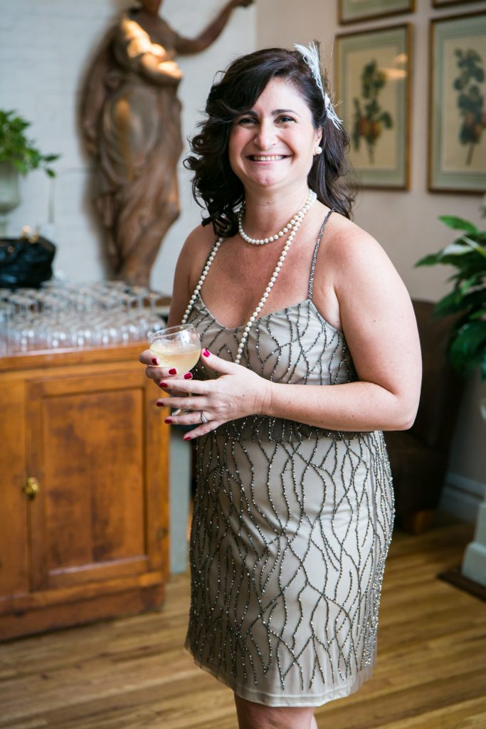 Wedding guest wearing 1920s-style flapper dress