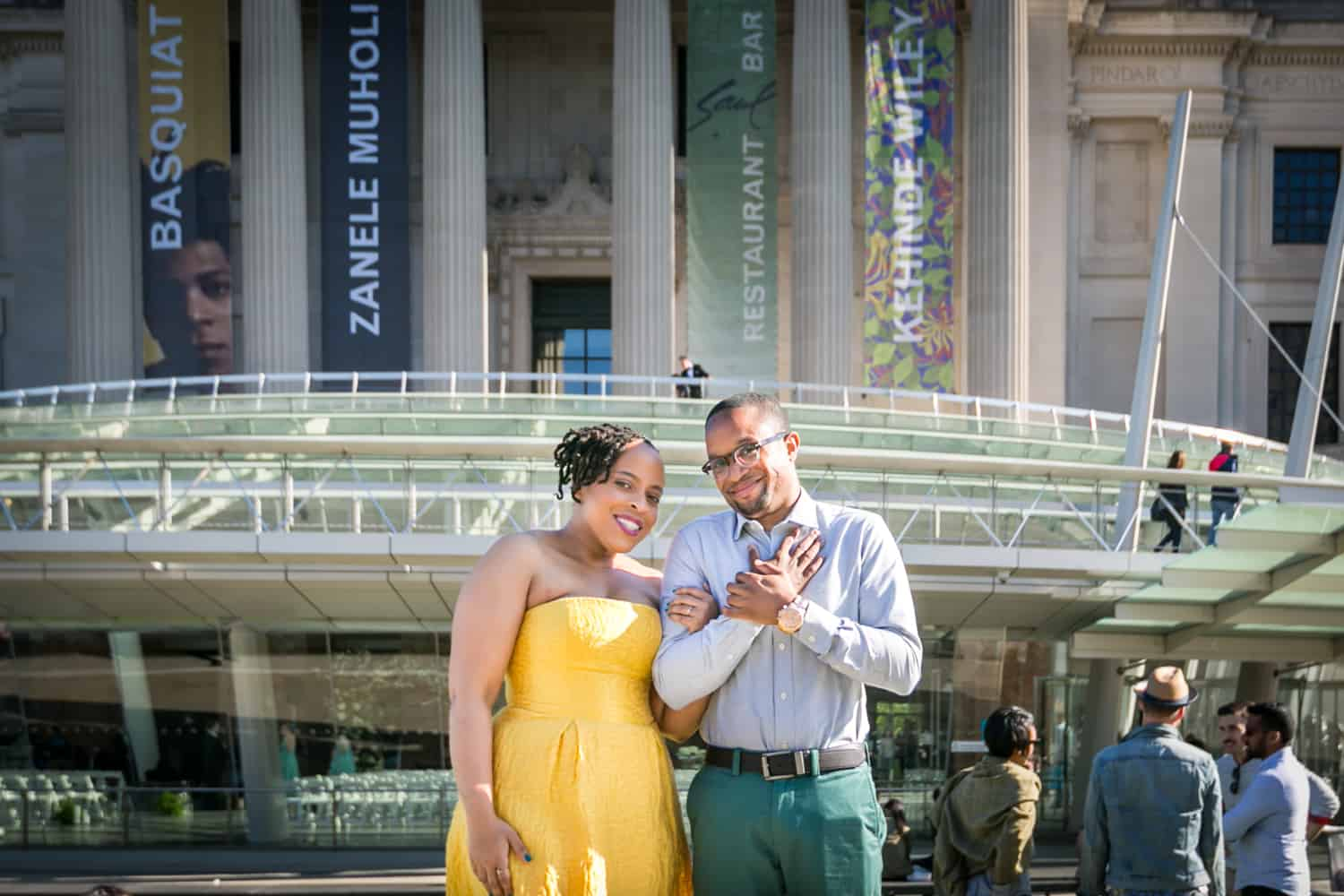Couple in front of Brooklyn Museum at a Brooklyn Museum engagement shoot