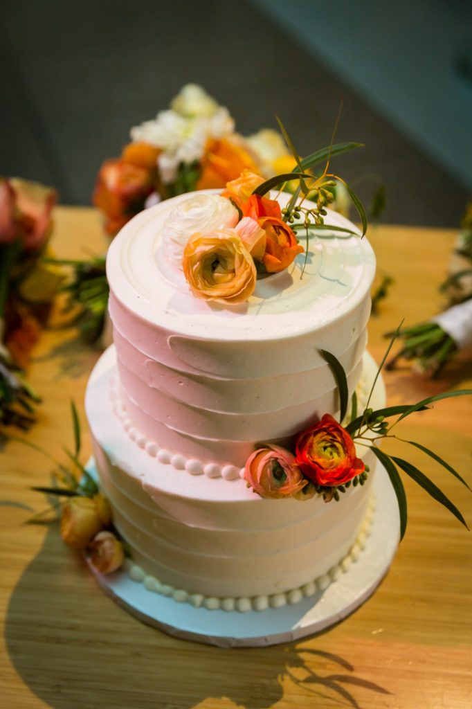Cake at a Bronx Zoo wedding