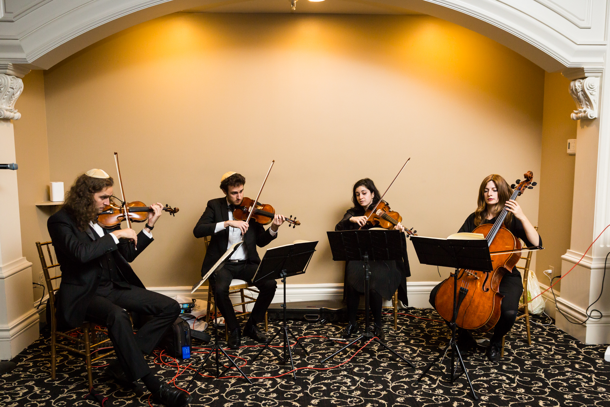String quartet for an article on band vs DJ