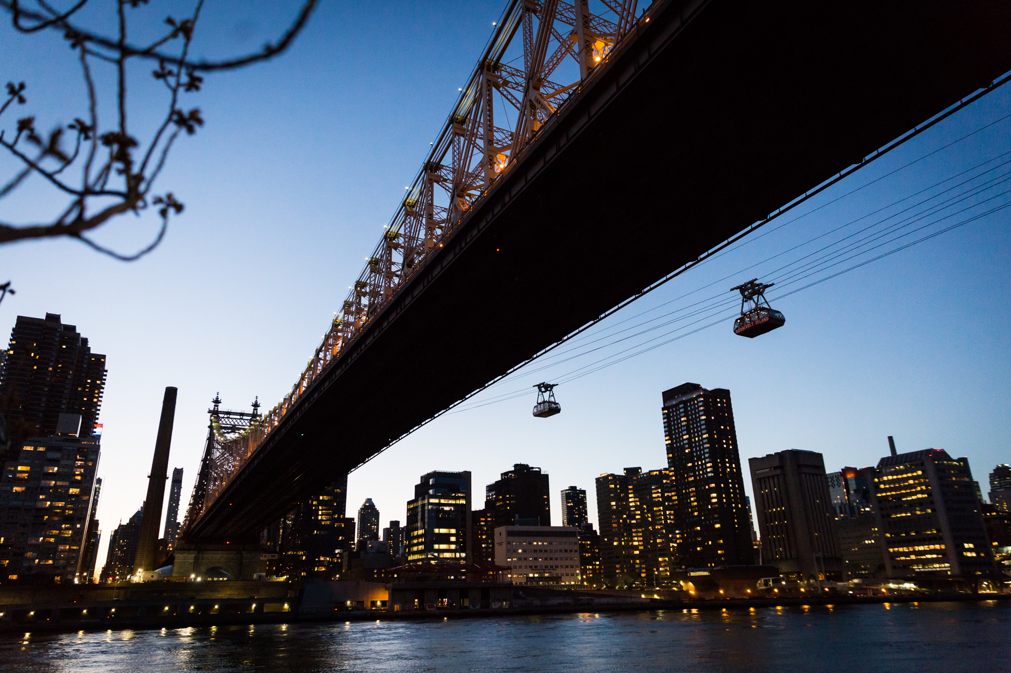 Roosevelt Island at dusk for an article on cherry blossom photo tips