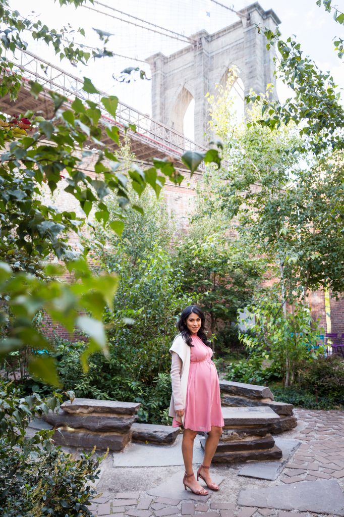 Portrait of a mother-to-be for an article on maternity portrait tips