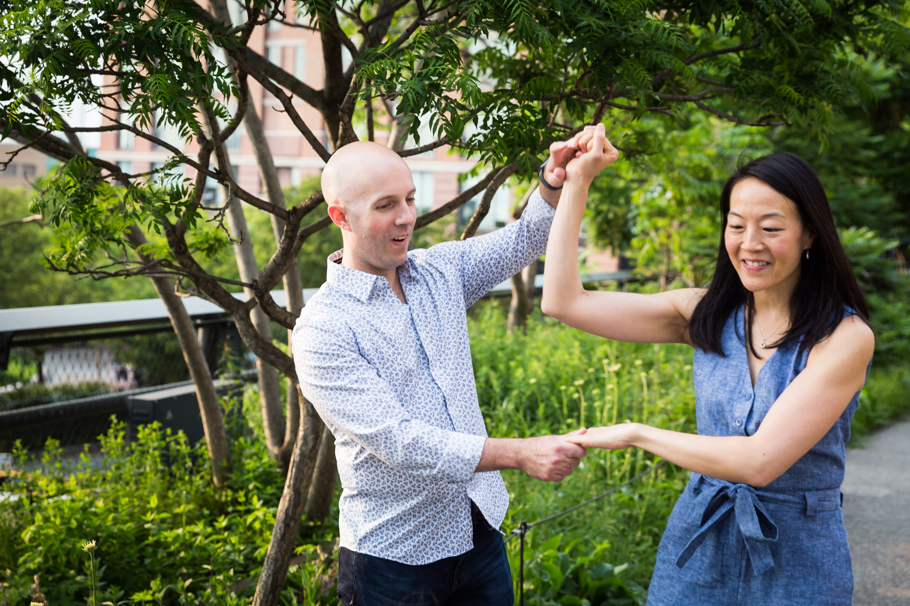 Couple dancing for an article on High Line family portrait tips