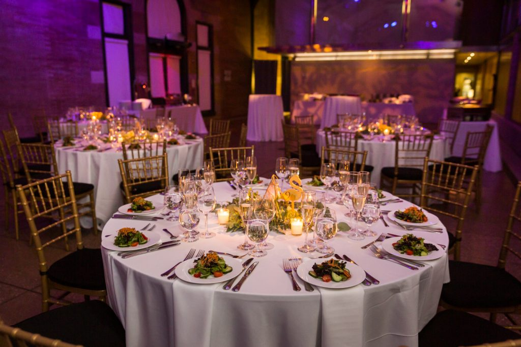 Tablescapes and place settings at Bronx Zoo wedding